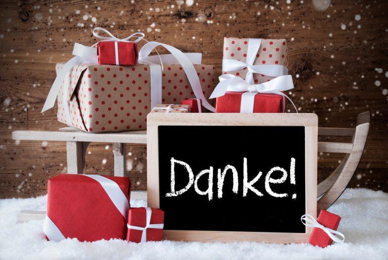 Weihnachtsgrüße . Bild: Nelosa / shutterstock.com